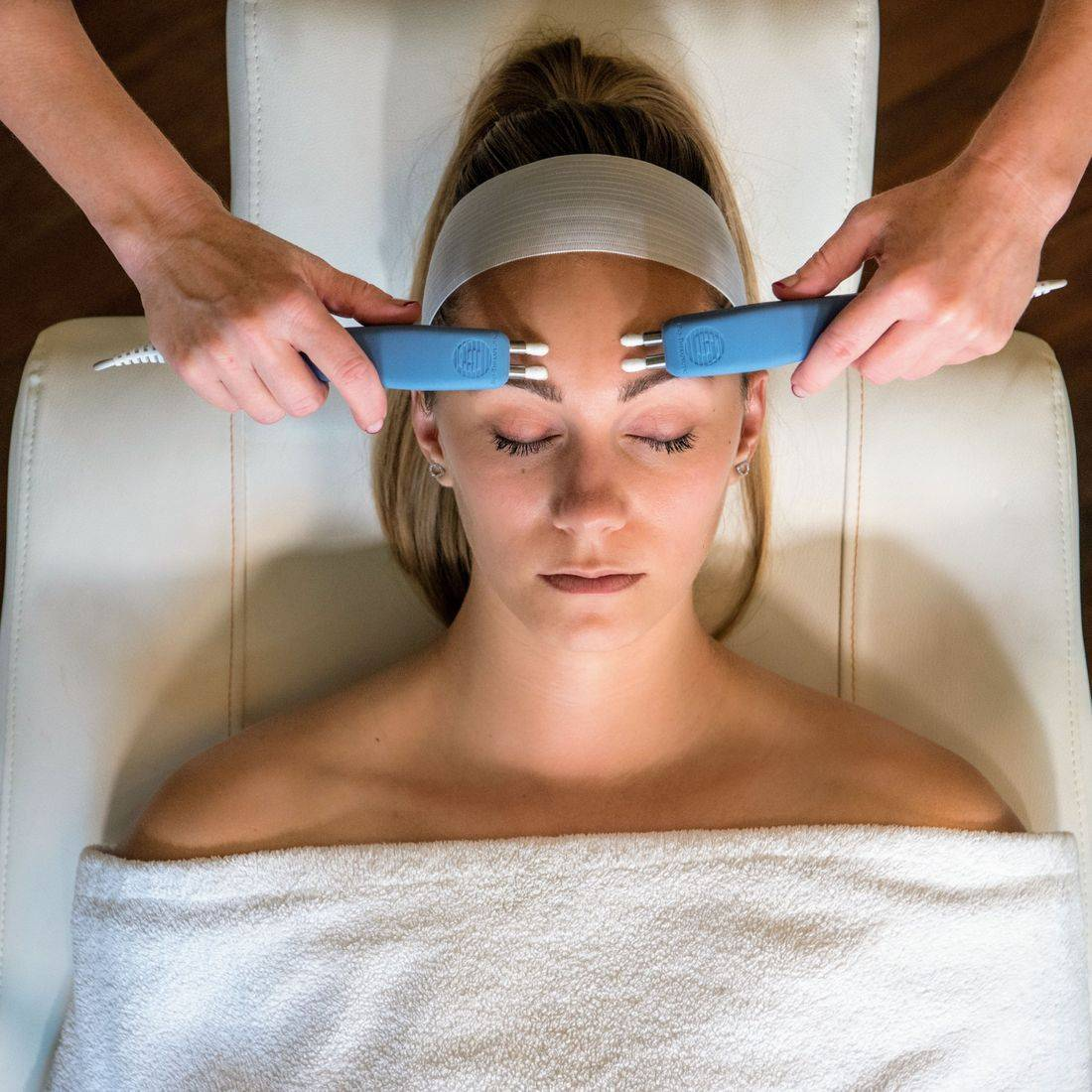 Non-Surgical Face Lift offer, Caci, Facial toning, Creativity beauty solutions