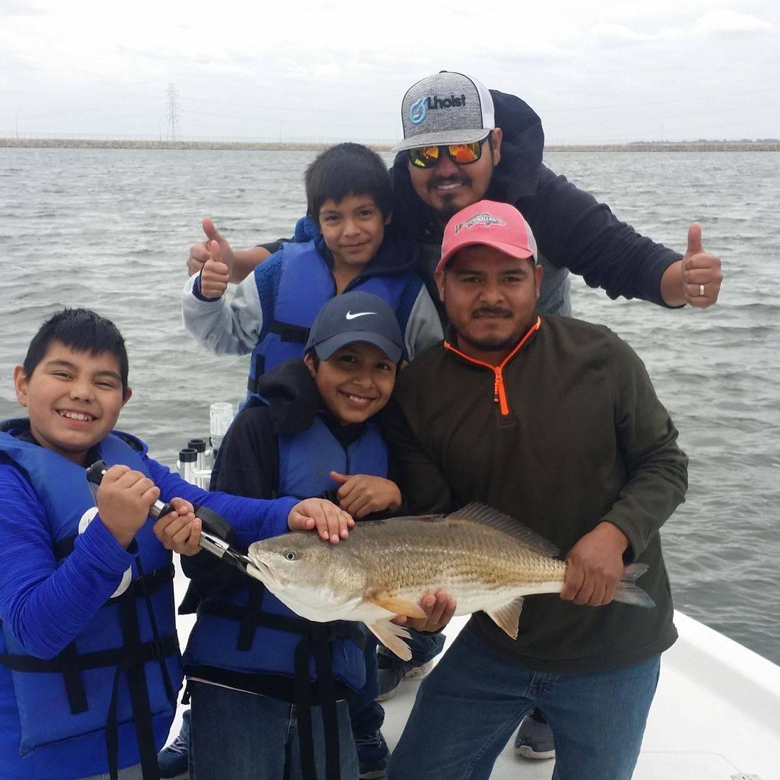 Bones Fishing Guide Service providing some fantastic redfish fishing. San Antonio offers some amazing at Brauning Lake, Calaveras Lake and Canyon Lake.