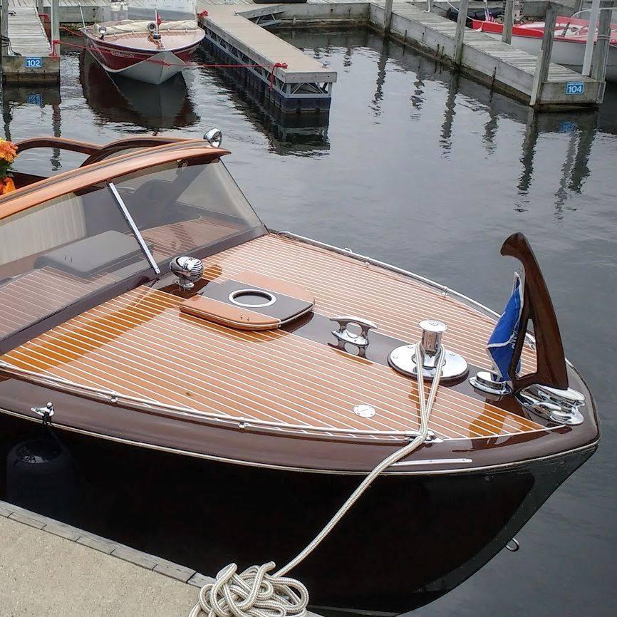 27' Shepherd fully restored by Bergersen Boat