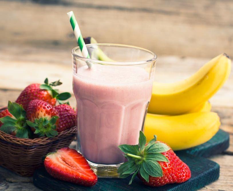 strawberry banana smoothie recipe with yogurt