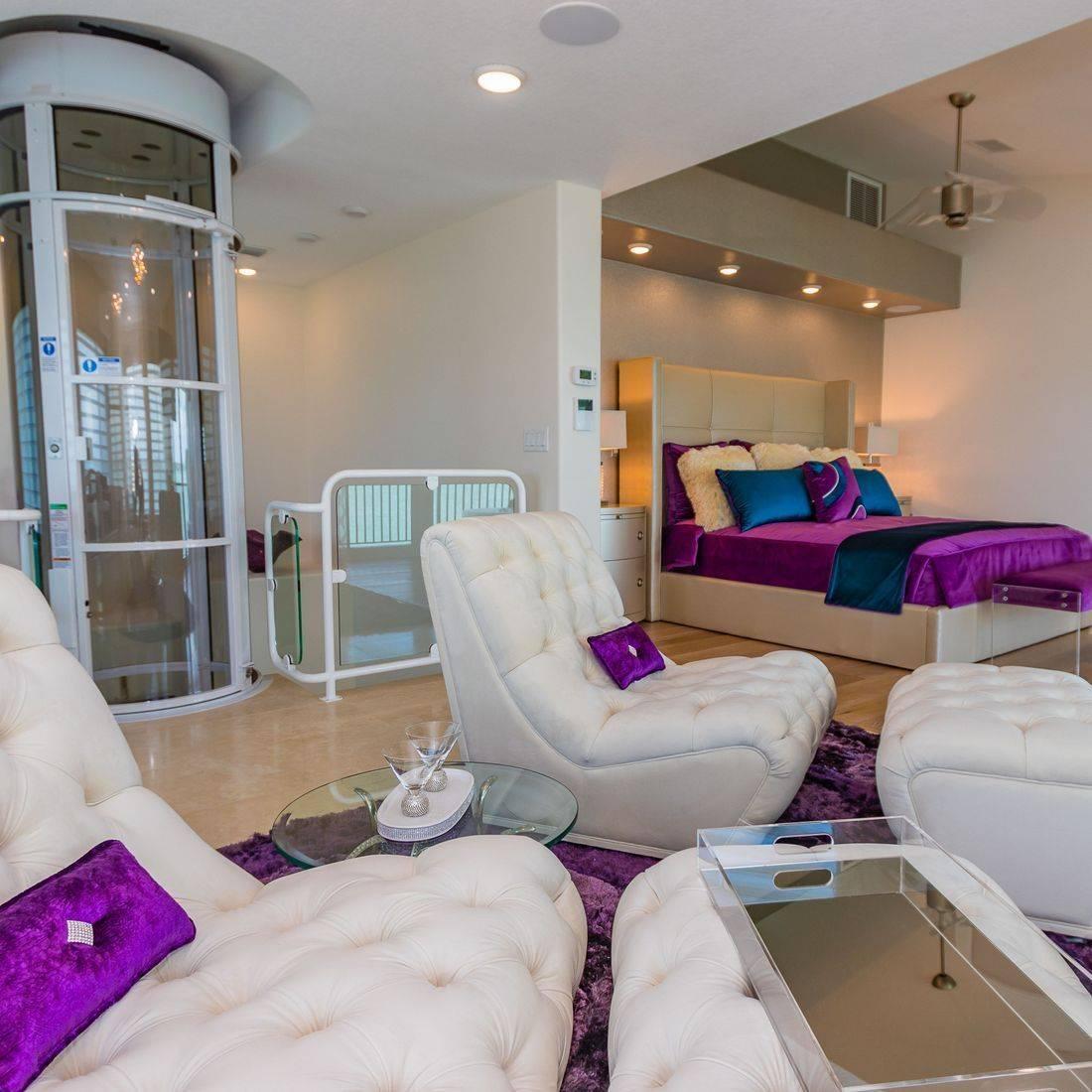 Master Suite, Purple bedding