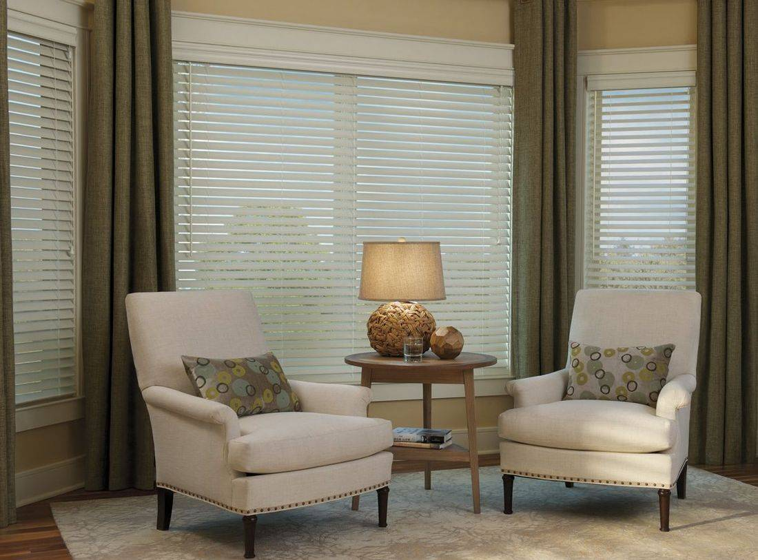 Hunter Douglas EverWood Alternative Wood Blinds provide the luxurious look of wood blinds while resisting fading and discoloration and withstanding high heat environments without bowing or losing shape.