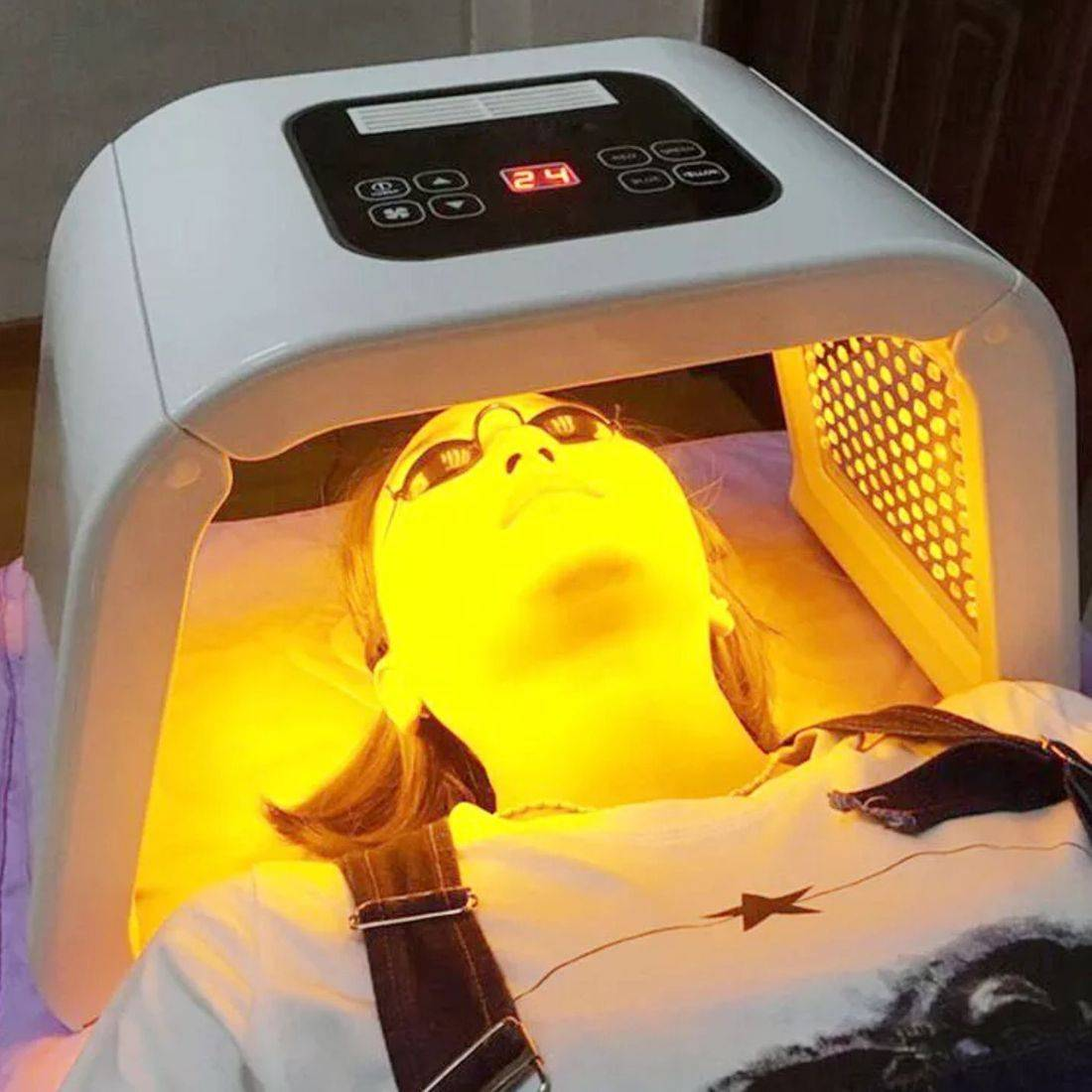 Yellow LED light therapy phototherapy Creativity beauty Solutions Reading