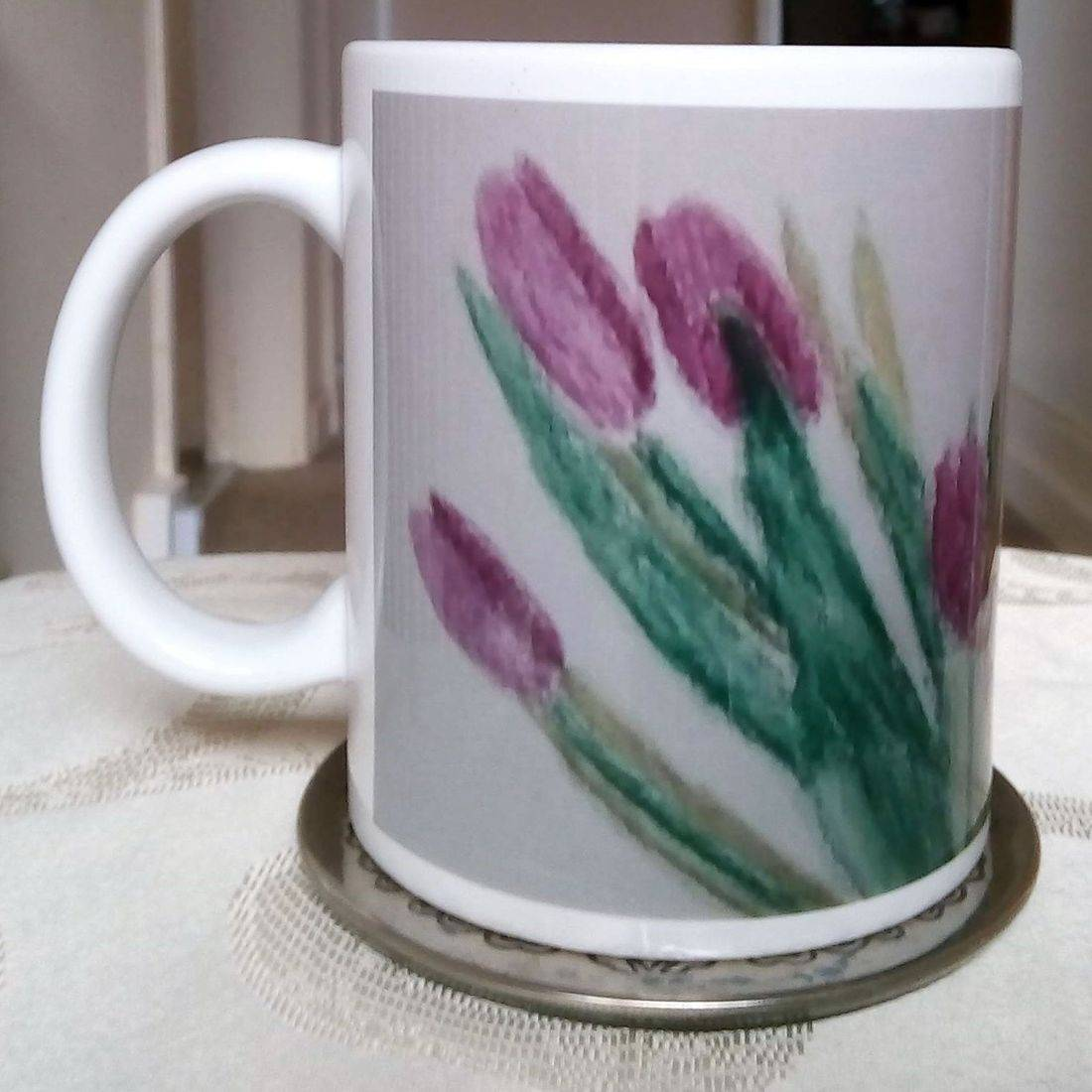 Mug with purple tulips design