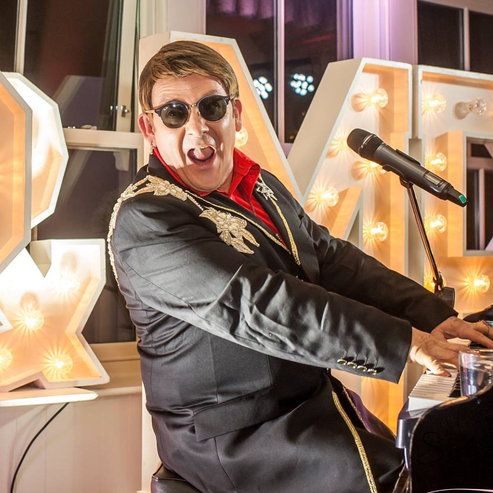 The Rocketman Elton John Tribute act  Andy Crosbie