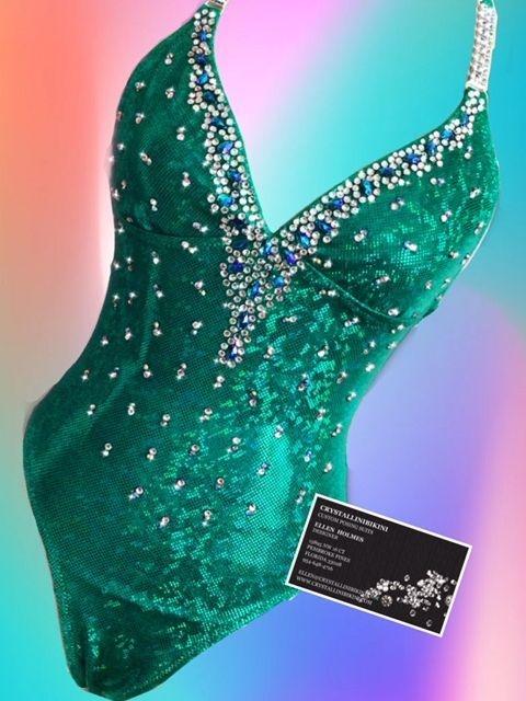 green fit model suit