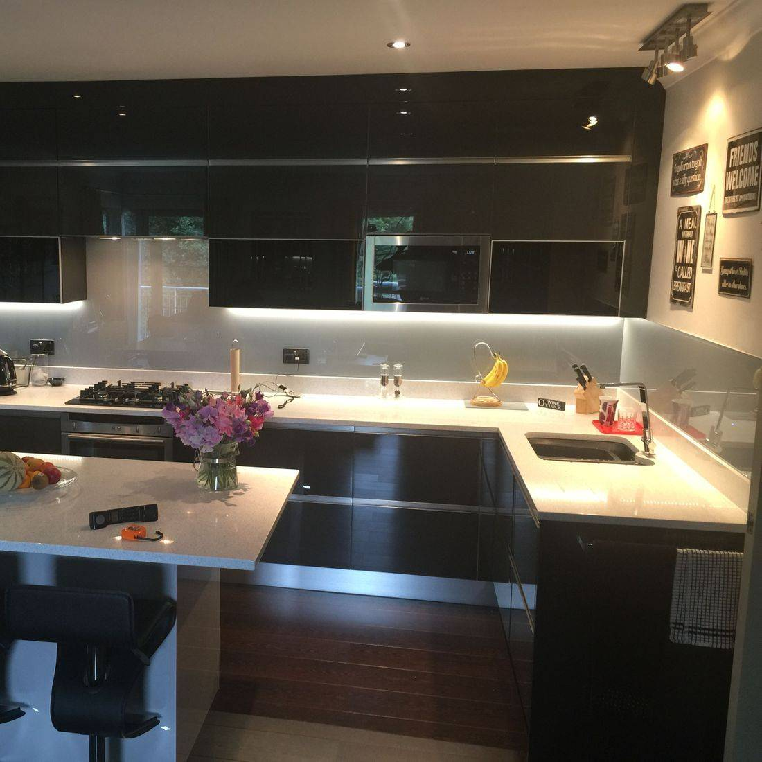 Modern Black Gloss Kitchen