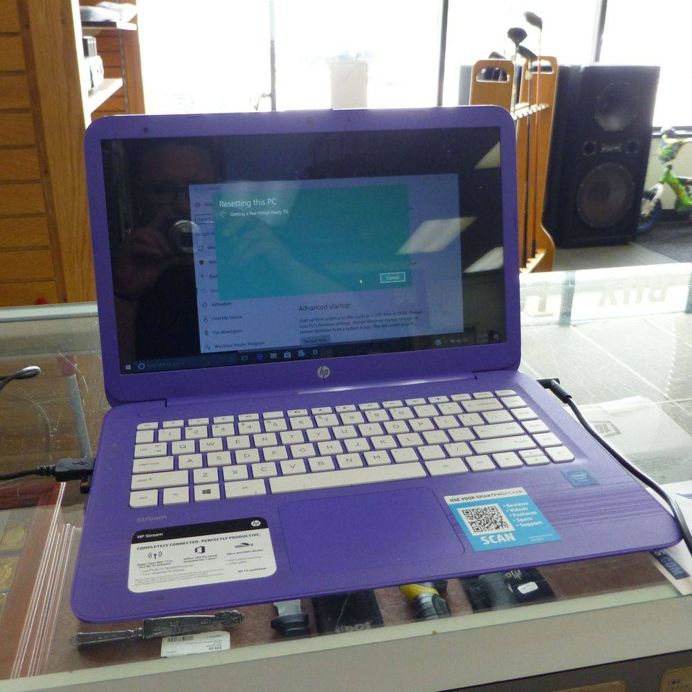 "close up picture of a purple HP Stream 14"" Laptop"