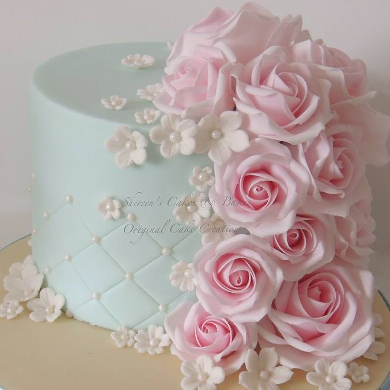Pretty Blue Light Duckegg Pale Pink Roses Birthday Cake Quilting Flowers