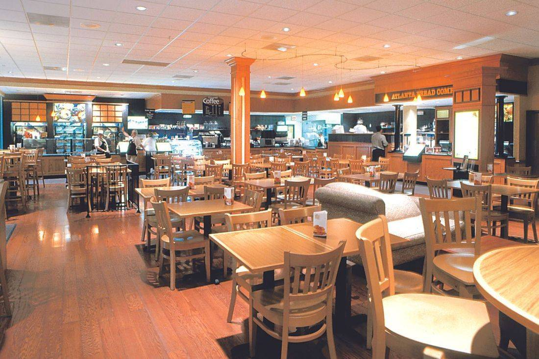 Pembroke Pines Atlanta Bread Company customer dining area