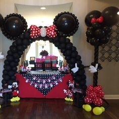Mickey Balloon Decor