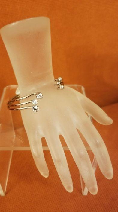 Three Prong Swarovski Bracelet