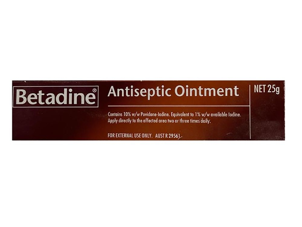 Antiseptic ointment for wounds especially for horses