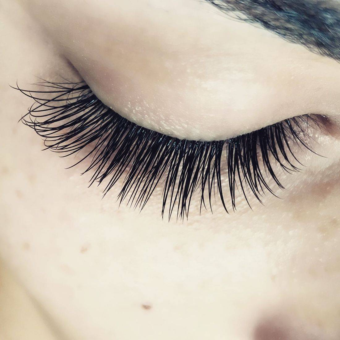 volume lash extensions, volume lashes, russian volume
