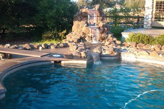 Sacramento Custom Pools Waterfalls