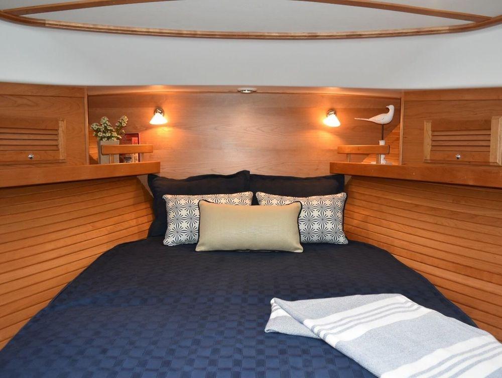 #NewportYachtInteriors #Sabreyachts #Customyachtbedding #customyachtinteriors
