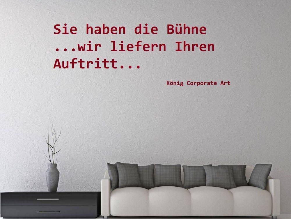 Sofa mit Wandspruch Kunst
