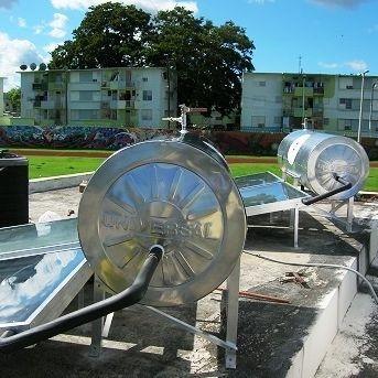 Calentador solar comercial instalado