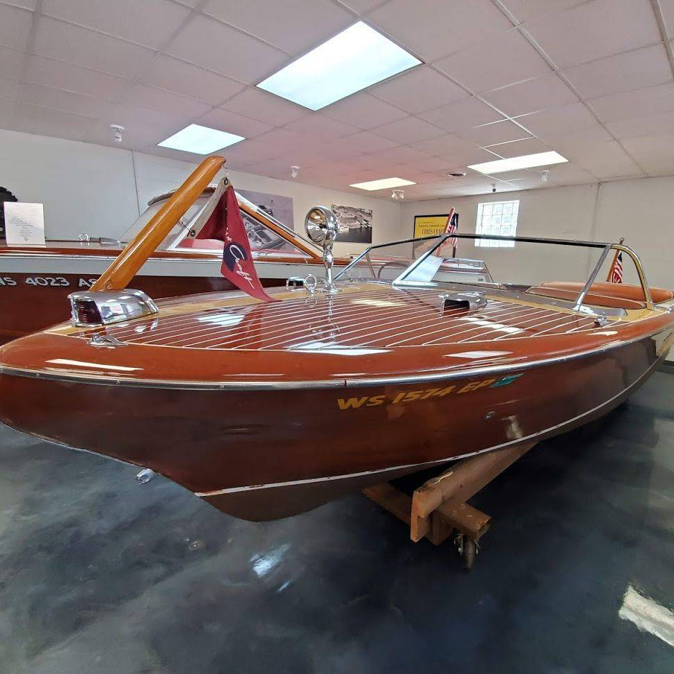 20' Chris Craft Continental for Sale in Lake Geneva, WI