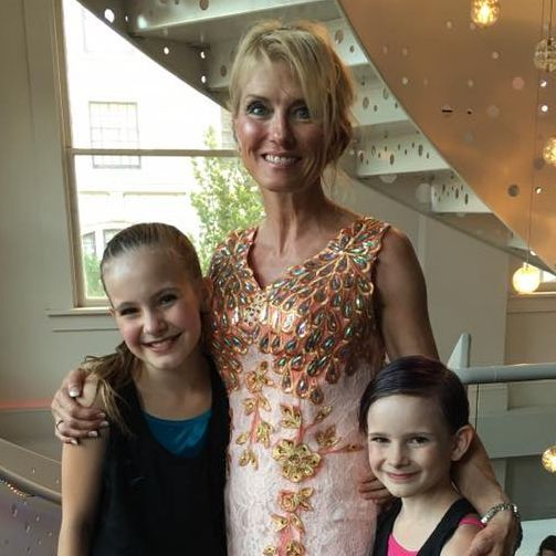Studio director Janine Fraser and students celebrate another year of progressive  ballet classes!