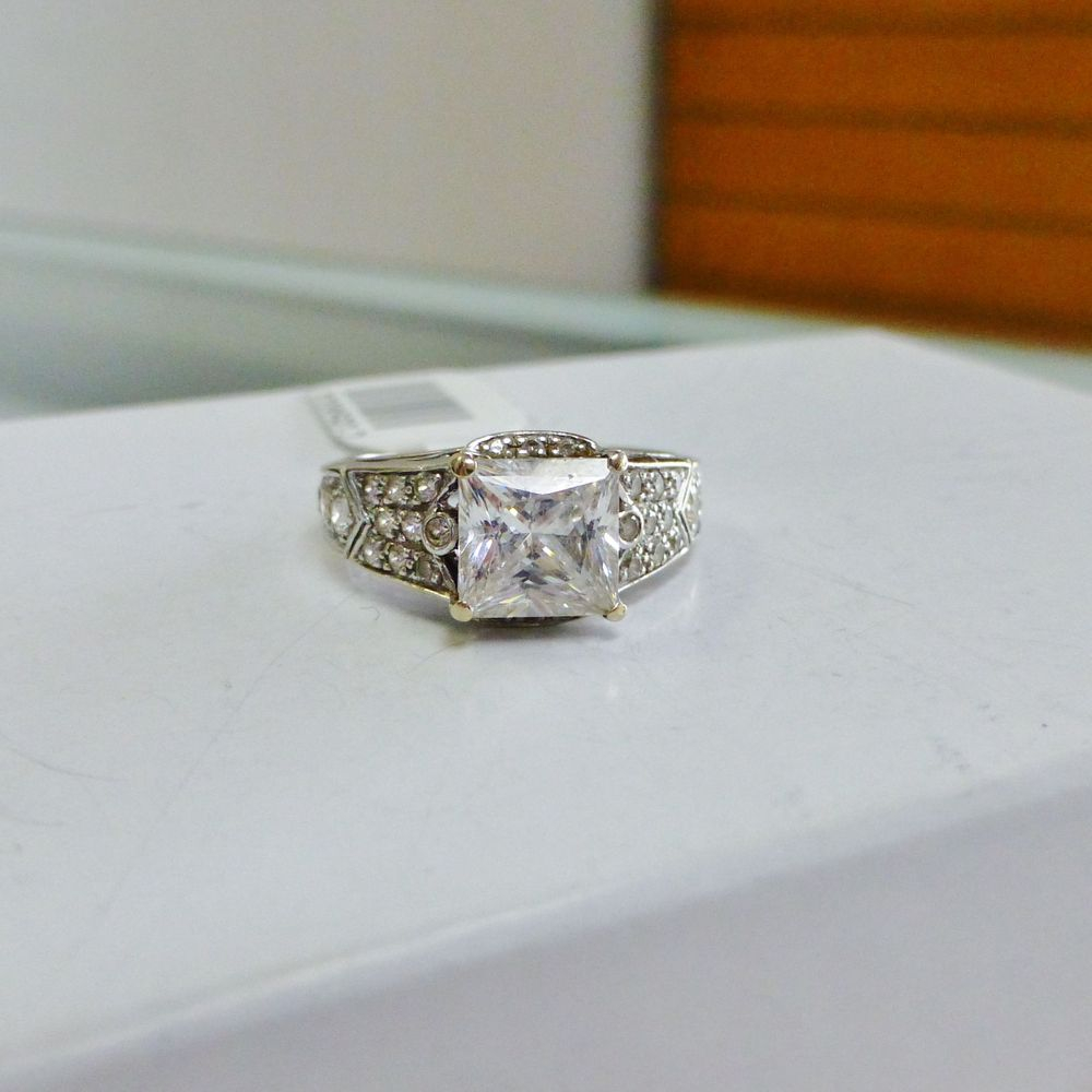 Princess Cut Cubic Zirconia 18K White Gold Ring