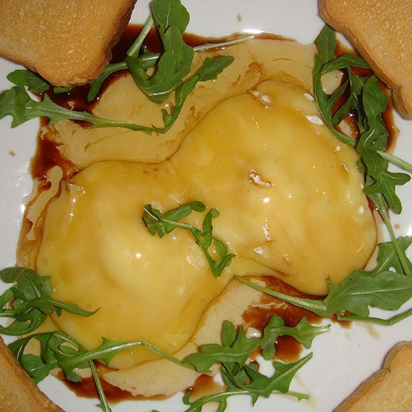 baked brie with honey and balsamic