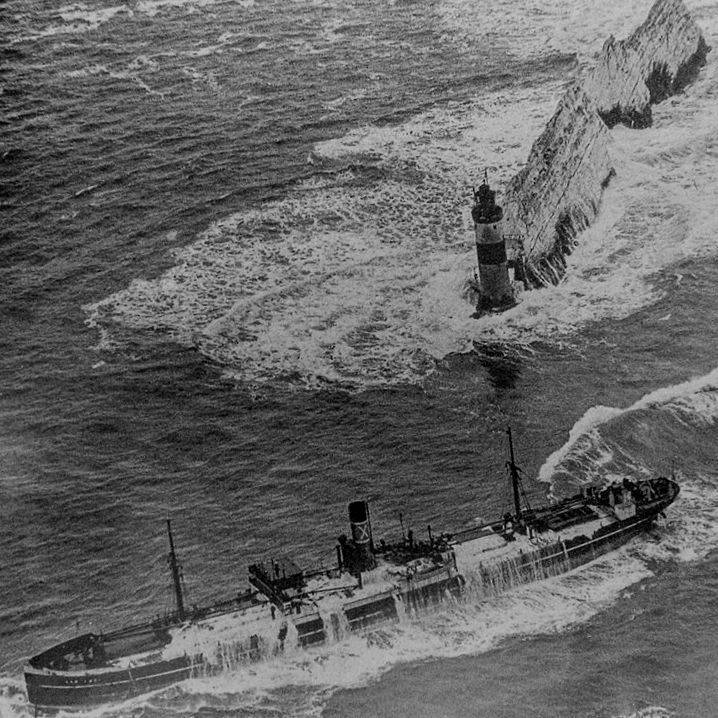 Shipwreck at the Needles in 1947