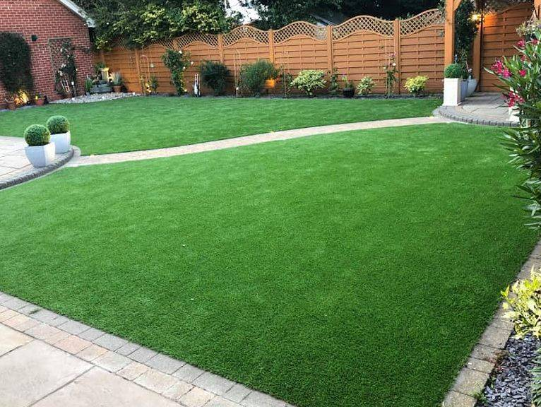 artificial grass lawn supplied and fitted