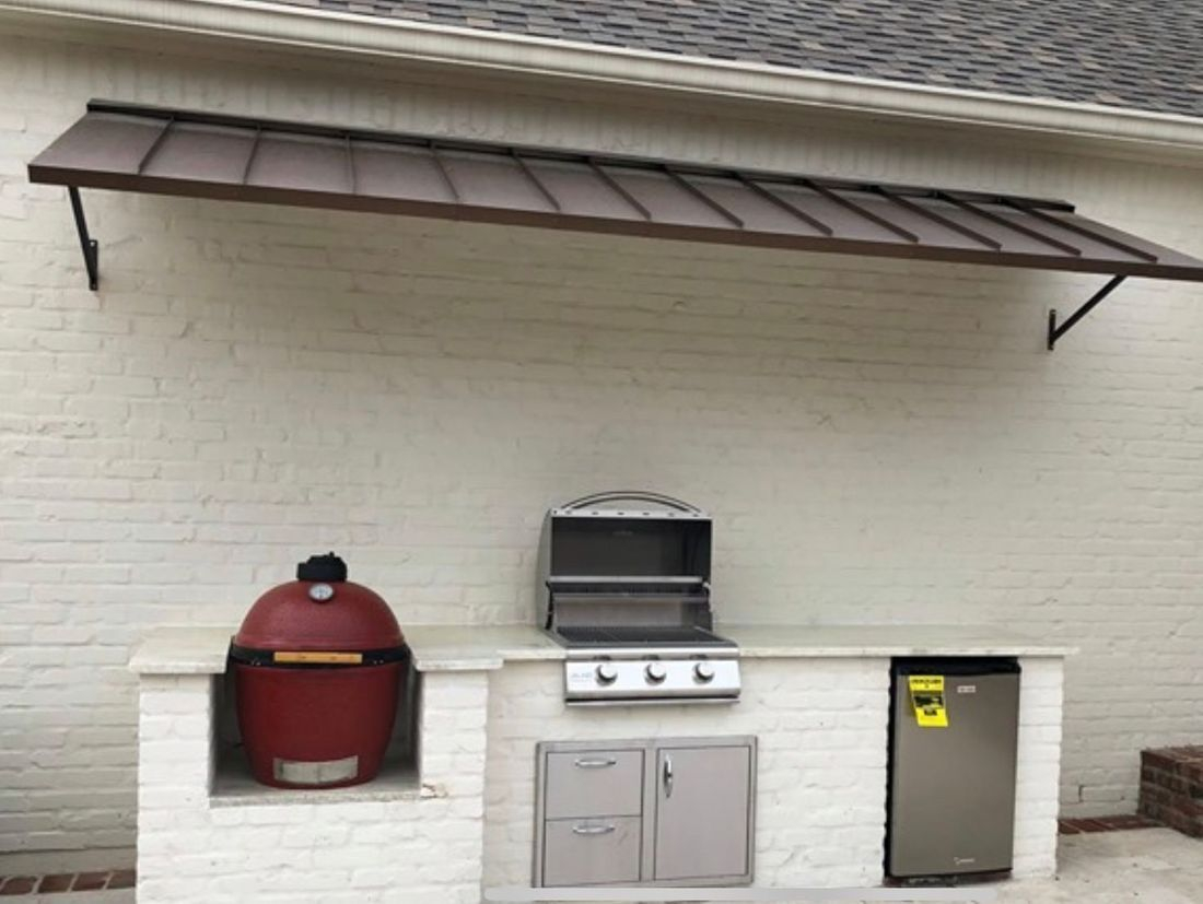 Outdoor kitchen awning