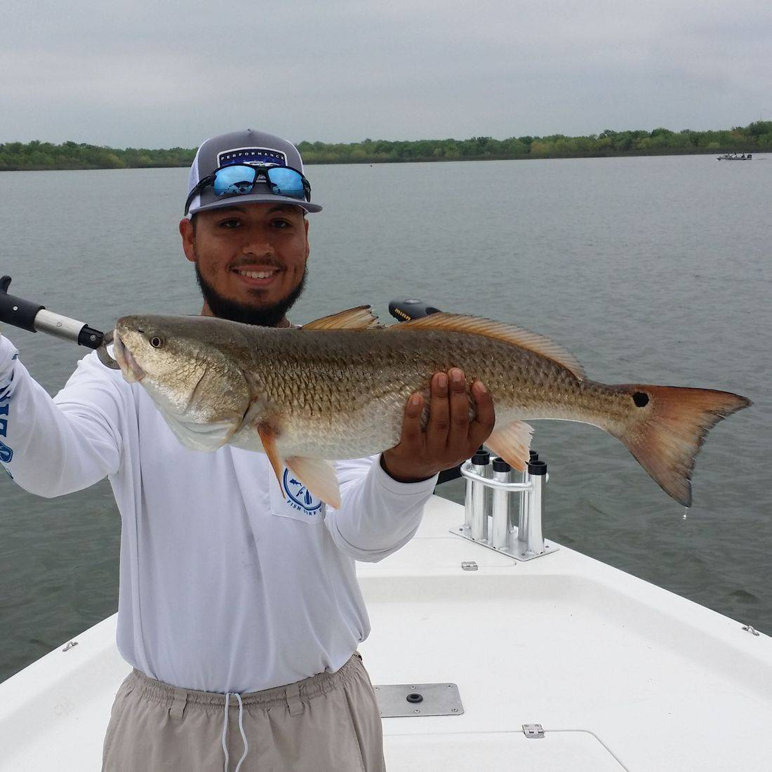 Redfish fishing at Brauning can be awesome. The schools are and challenging but rewarding. Fishing for Redfish in our San Antonio, Texas local lakes. Bones Fishing Guide Service provided an amazing fishing trip on the water and putting his clients on some Redfish.