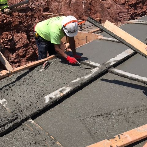 Finishing concrete construction for building B