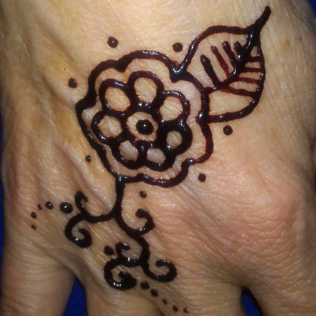 Basic Flower Henna with Leaf, Flower Henna, Henna Tattoo, Henna, Ja'Henna, Henna in Negril Jamaica