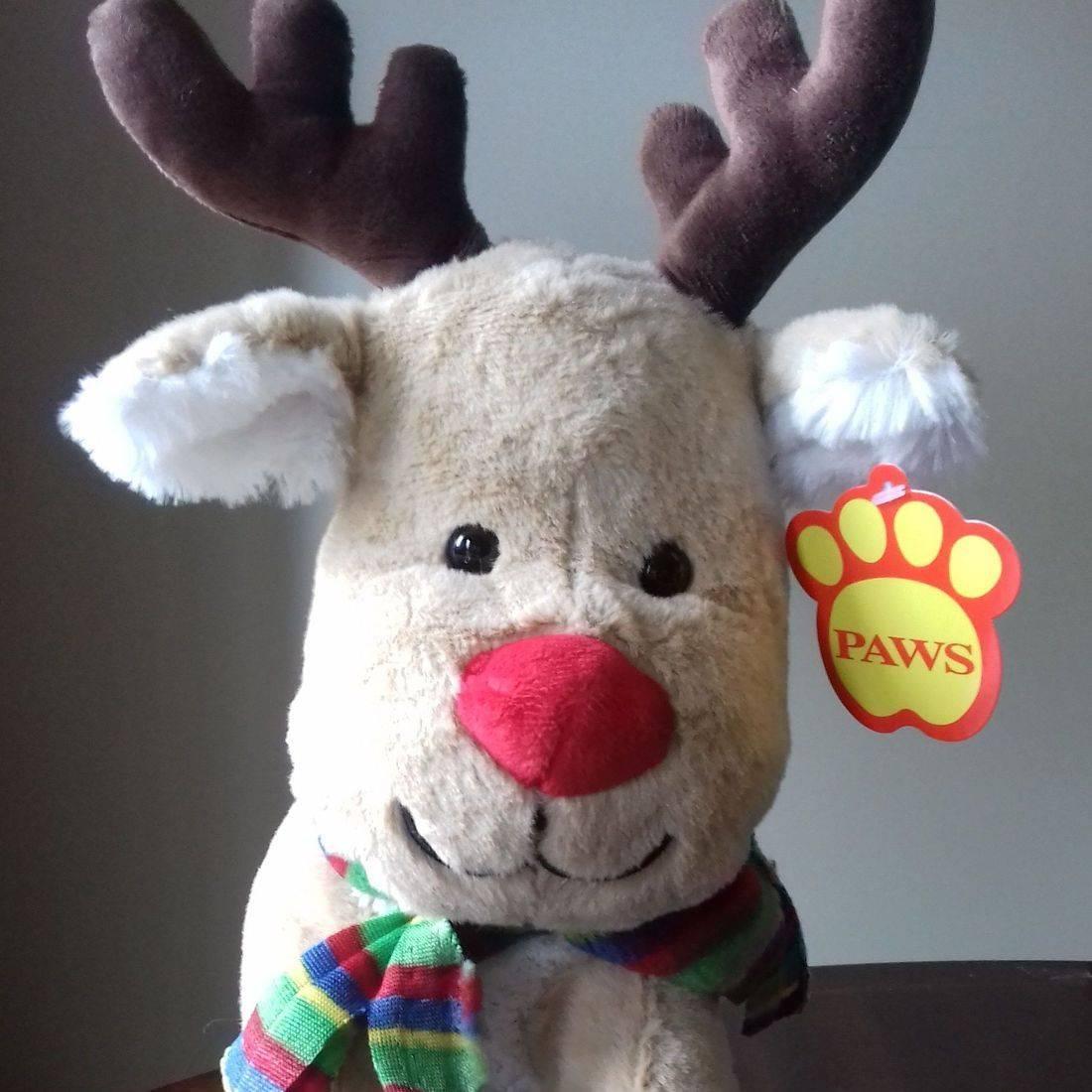 Cuddly light brown reindeer