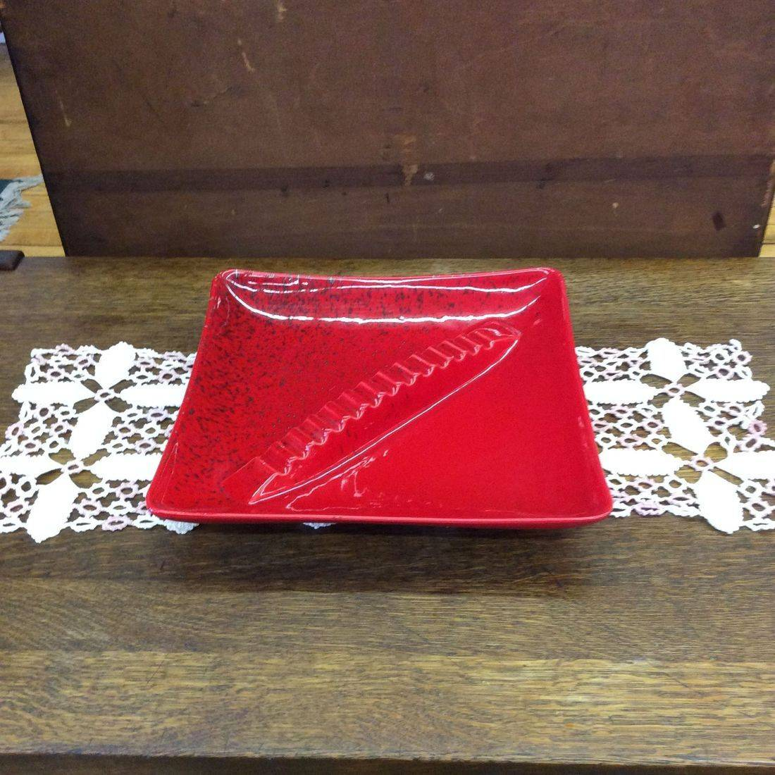 "1950's MCM Large Royal Haeger Art Pottery Red w/Black & Grey Specks Ashtray  14"" x 14"" x 3""H.  $55.00"