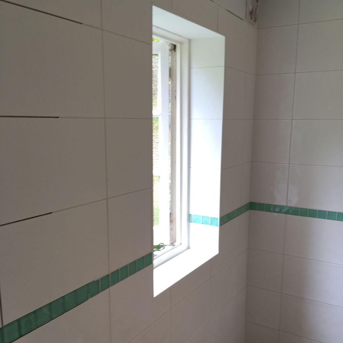 greeb glass tiles bathroom