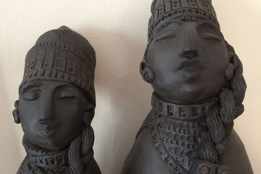 Ingrid Johannesson, Ingrid, Johannesson, clay, ceramic, colebrookestoneandclay, colebrooke,clay, black clay, black, clay, king, queen, carved, royalty, handmade, slab, slab work, pinchpots, handcrafted, hand, crafted