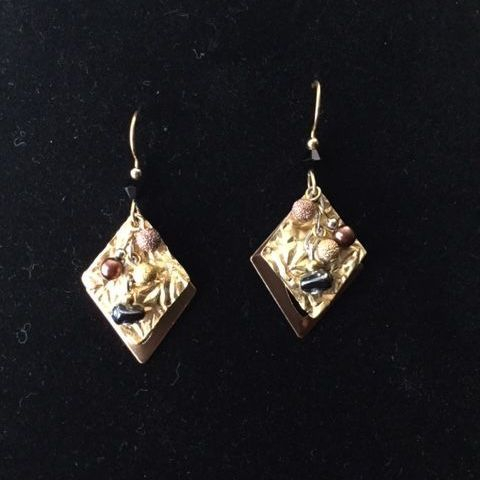 Red Crystal Heart Earrings (SS)
