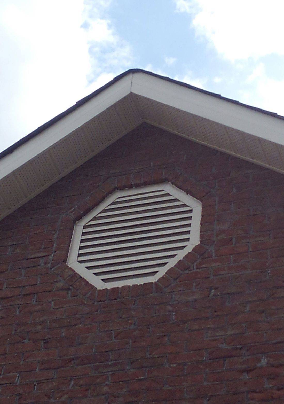 Octagon gable louver vent