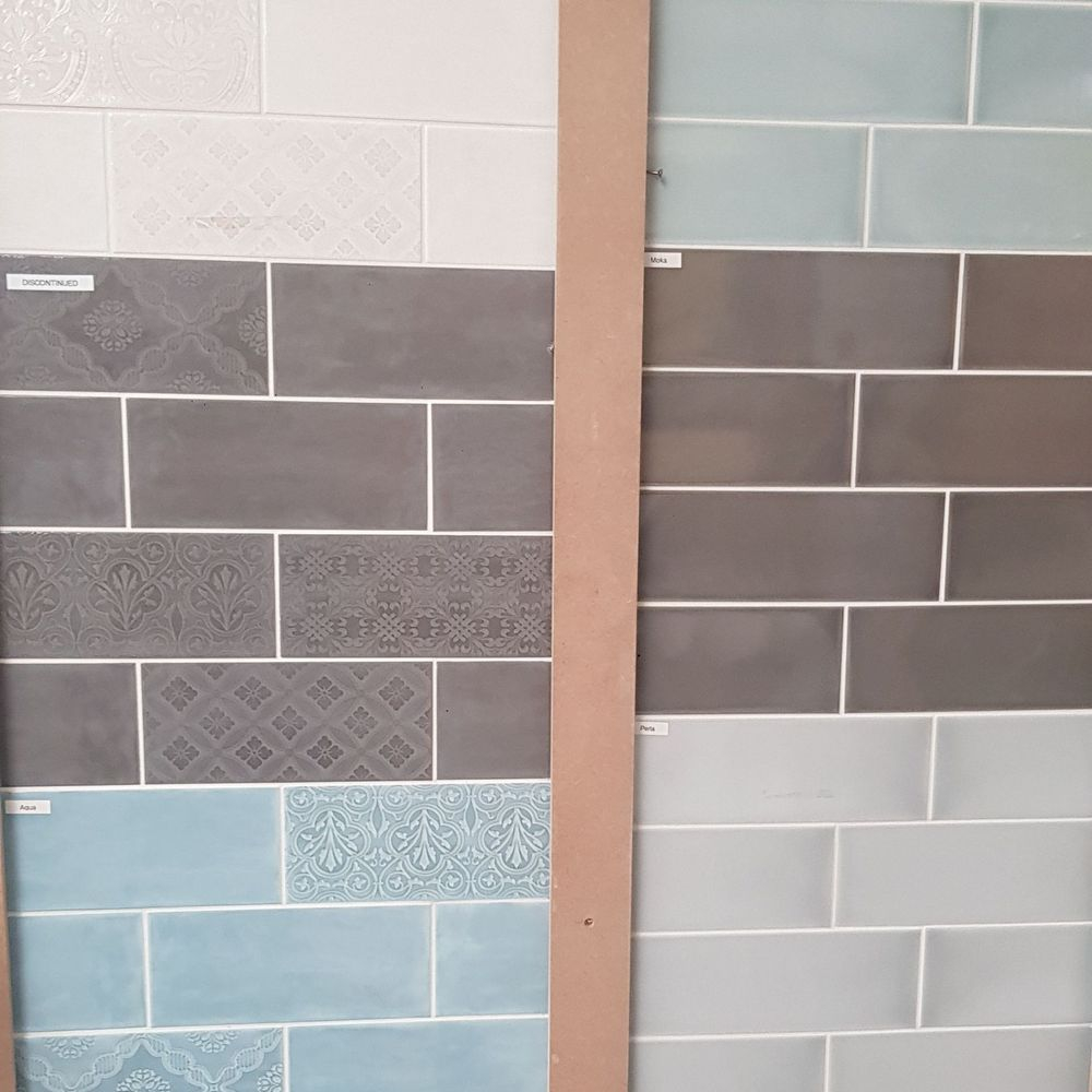 Calx & Maloica wall tiles