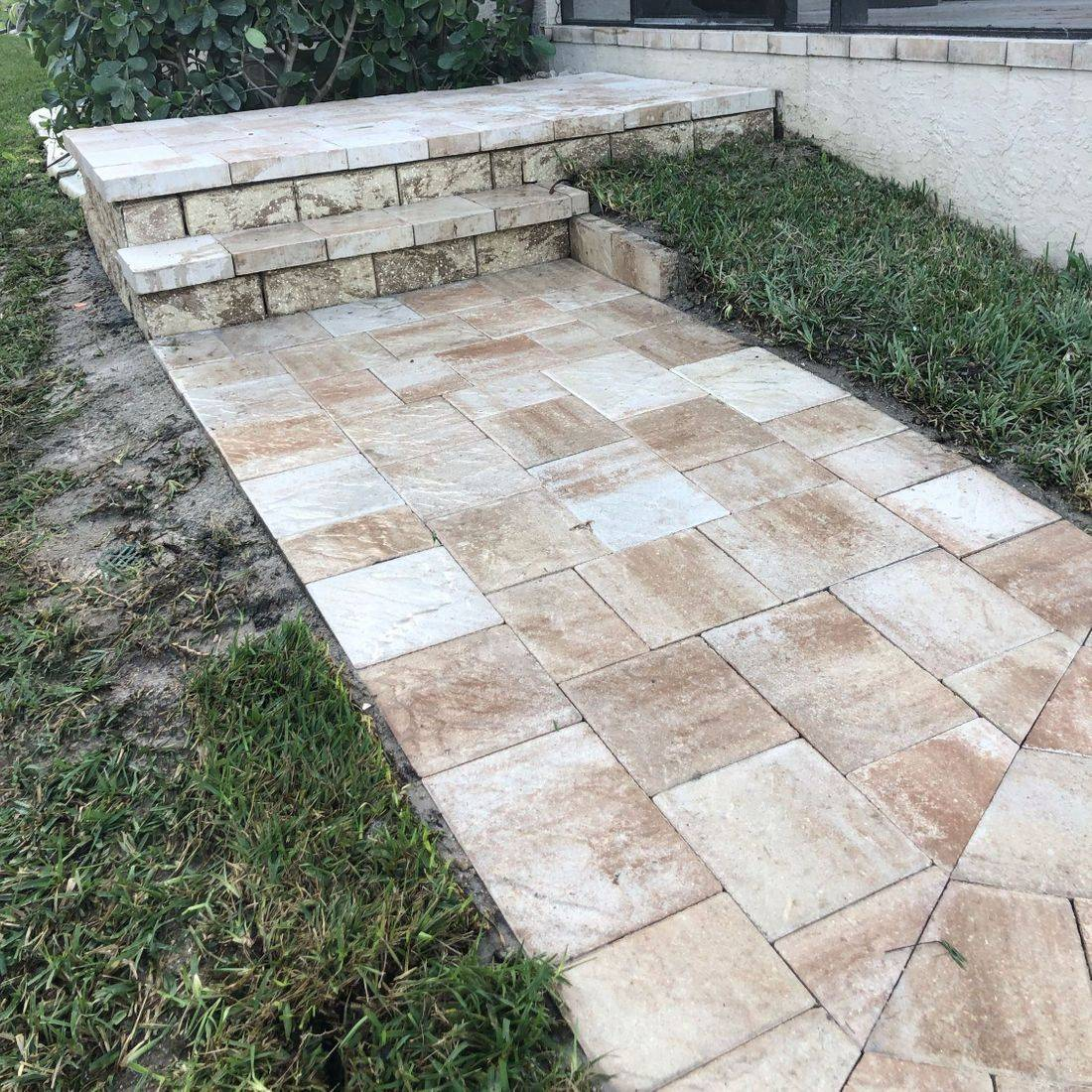 walkway cape coral brick pavers Tricircle slate white vanilla coconut retaining wall