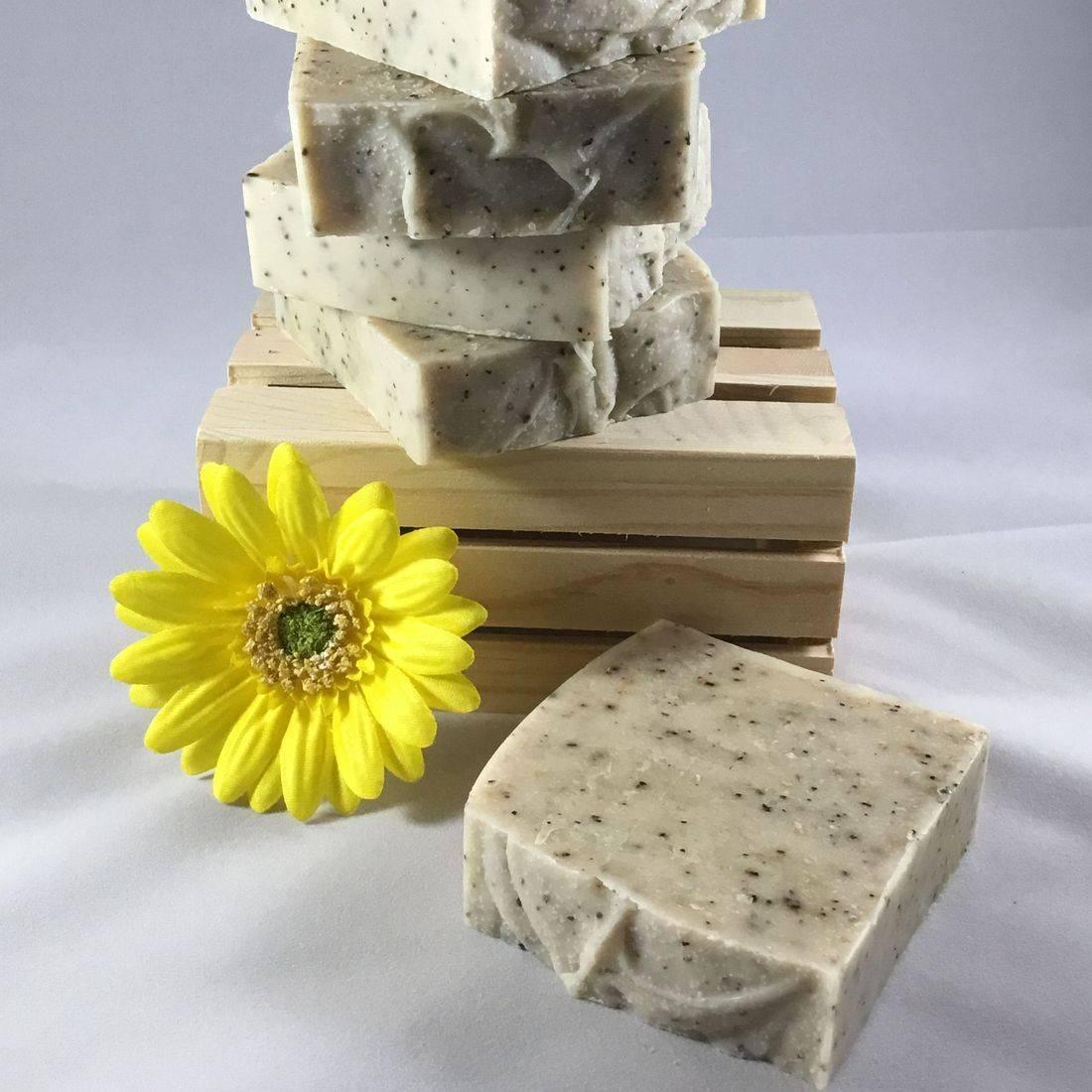 http://www.etsy.com/listing/464975392/lavender-lemonade-natural-linen-spray?ref=shop_home_active_1