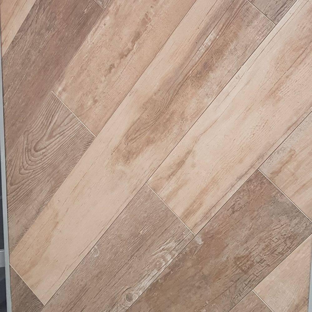 Navarti Bradford wood effect