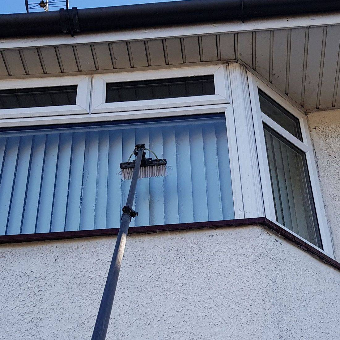 Window Cleaning,Traditional window cleaning, water fed pole, Basingstoke