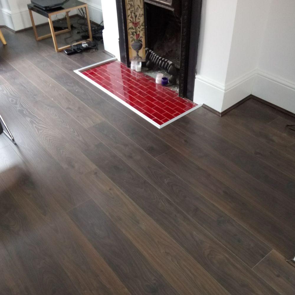 Quickstep Laminate, brown wood effect, lounge