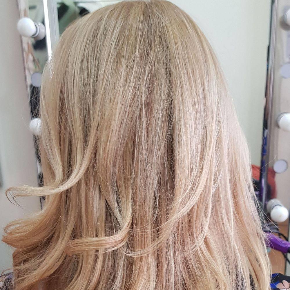 Wavy hair Tottenham hair salon north London hairdresser